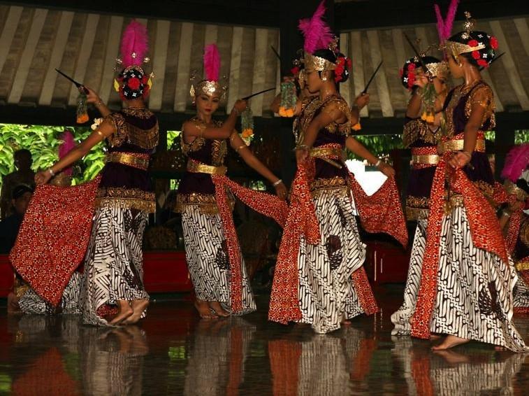 Belajar Dalam Memahami Suatu Budaya Yogyakarta Di Indonesia